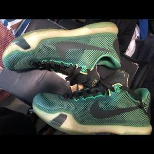 "Kobe X ""vino"" sneakers for men"